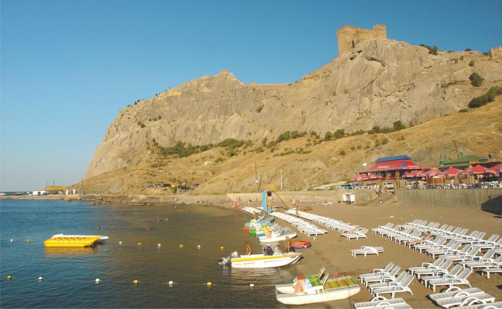 Вид на г Крепостная и Генуэзскую крепость